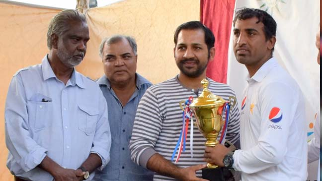 Sarfraz Ahmed meets disabled cricketers, lauds PDCA